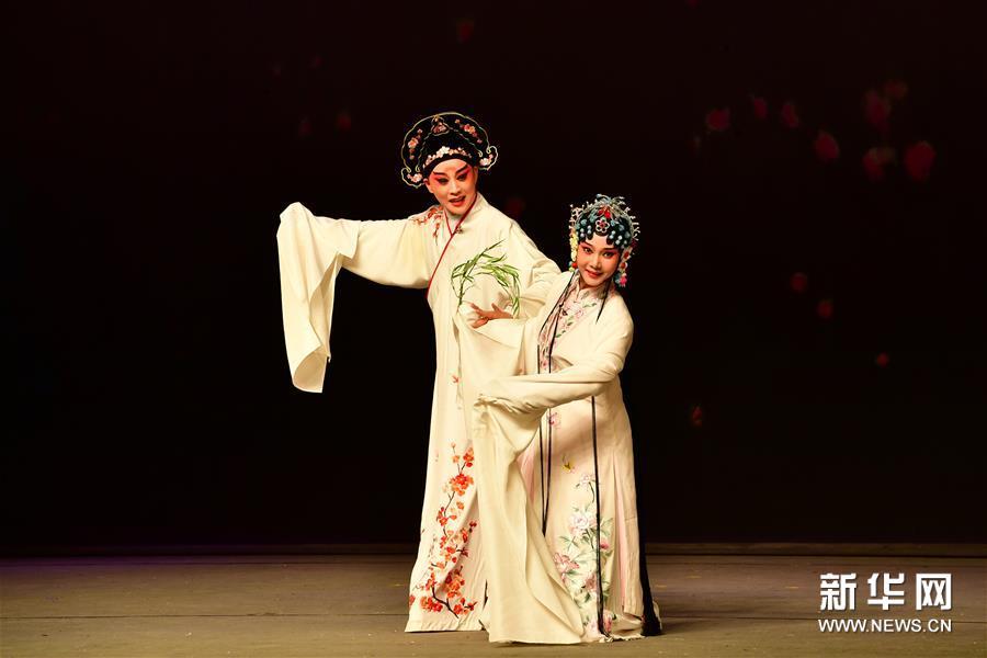 (学问)昆曲《牡丹亭》在郑州上演