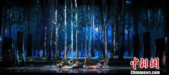 原创歌剧《这里的黎明静暗暗》:对经典的诗化解读